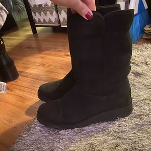 Ugg Amie boot size 8.5 in black